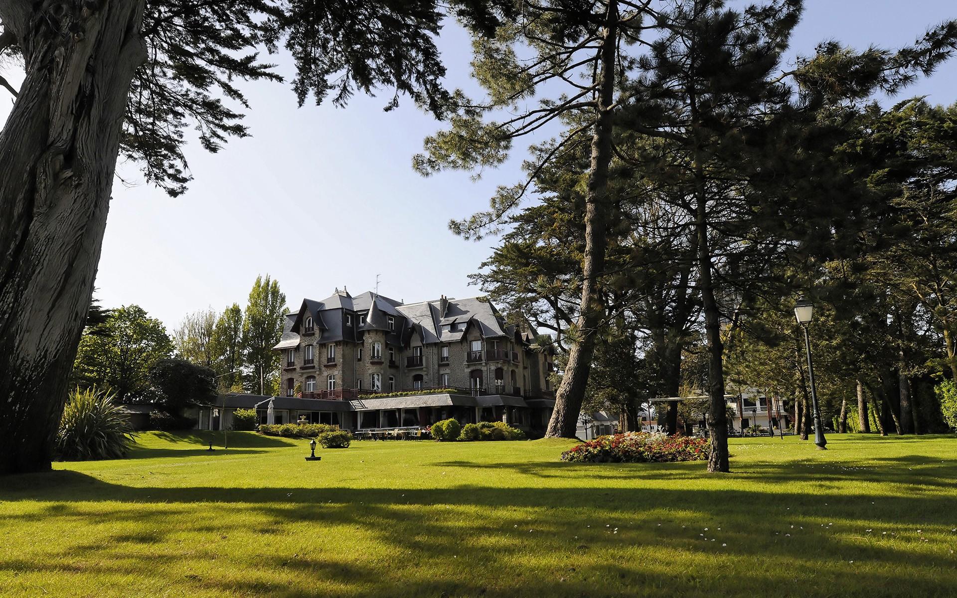 Castel Marie Louise Luxushotel und Gourmetrestaurant am Meer La