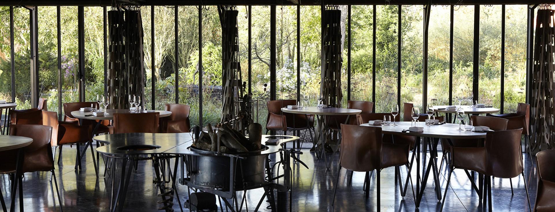 La grenouill re h tel de luxe la madelaine sous for Hotel avec restaurant