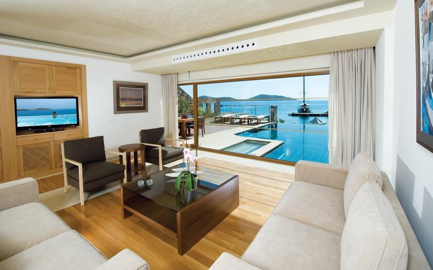 Three-Bedroom Diamond Residence