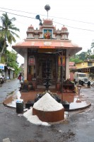 Shopping and offerings in Fort Cochin