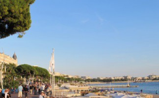 Cannes, wander in the festival-town