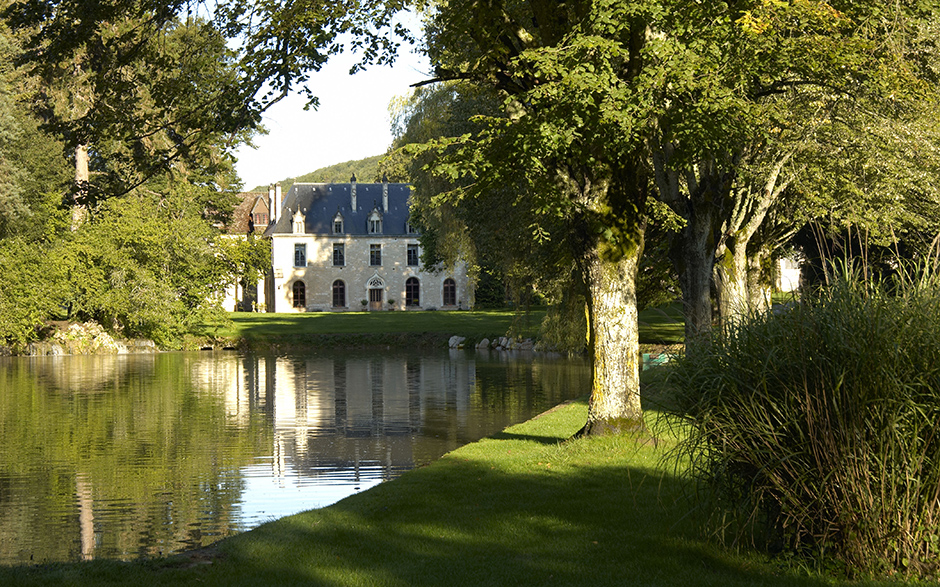 Relais chateau or design hotel ch teau de la resle for Hotel design bourgogne