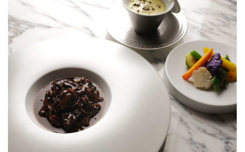 Dominique Bouchet Tokyo, 2 stars gourmet restaurant in Tokyo – Relais & Châteaux