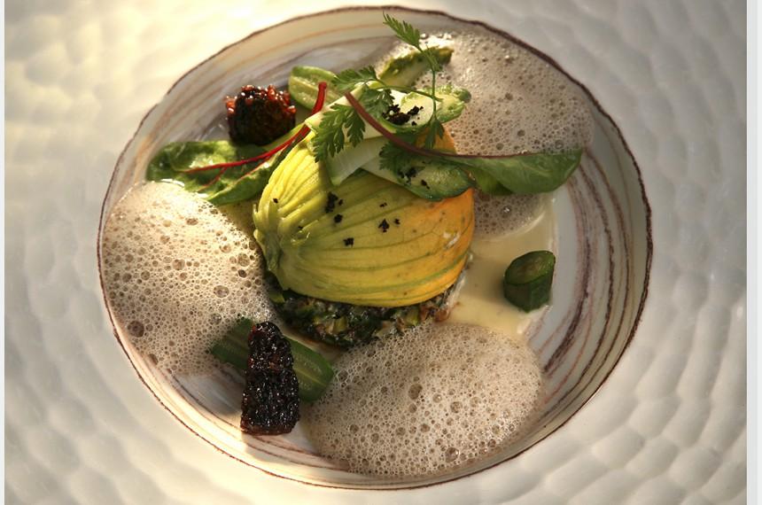 Restaurant alexandre starred gourmet restaurant in the for Plan de garons