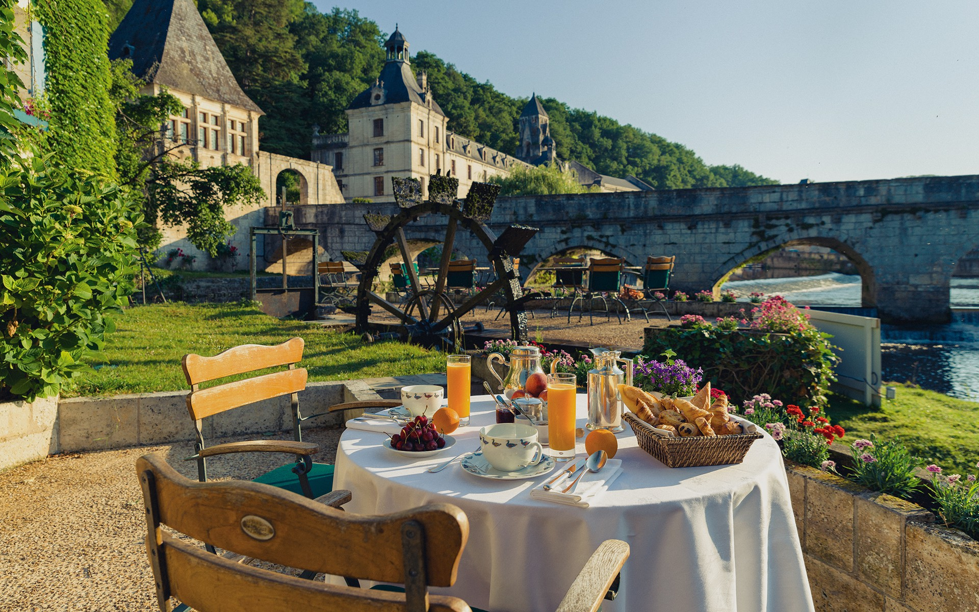 Boutique Hotels And Gourmet Restaurants
